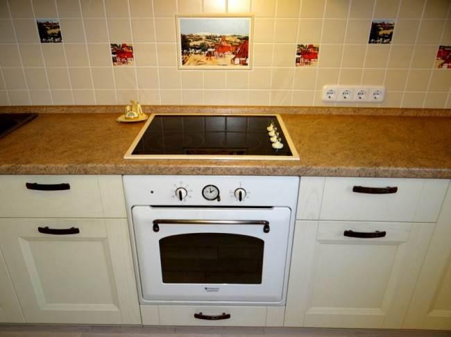 Дизайн бежевой кухни 10 кв.м с духовкой под ретро. Рассказ хозяев