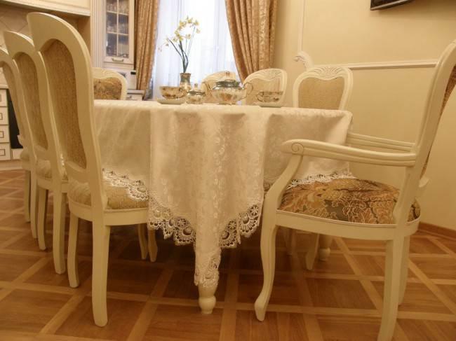 Деревянный стол для кухнигостиной