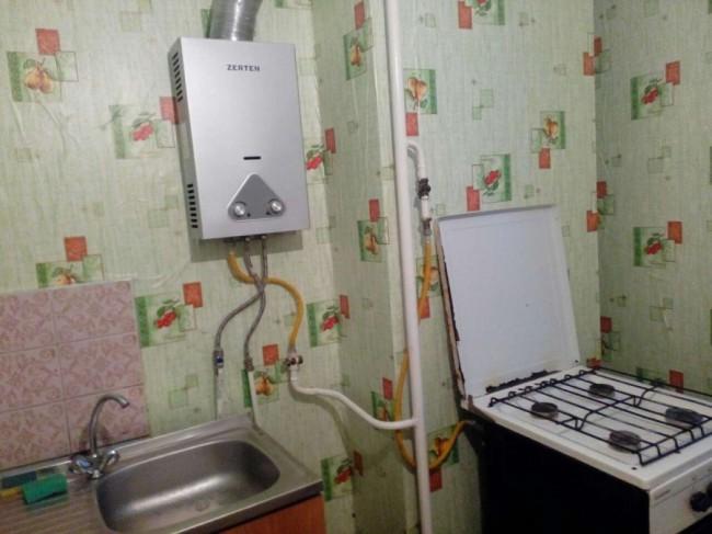 Вопрос! Как установить гарнитур в кухне с вентиляционной шахтой?