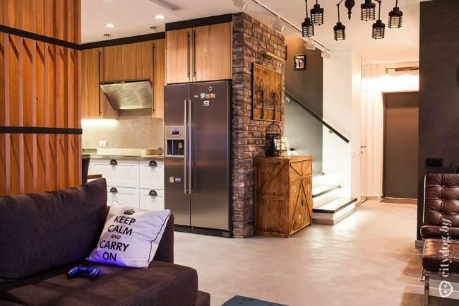 Кухня-гостиная в стиле лофт с потолком из гипсокартона