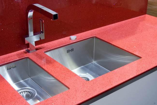 Врезная кухонная мойка с двумя чашами