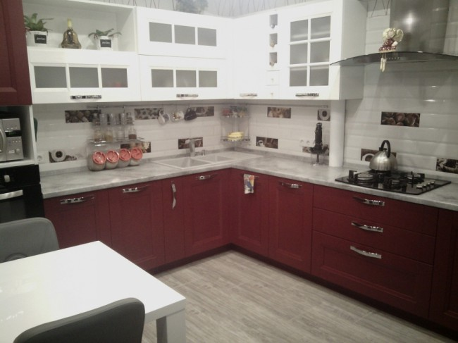 Плитка кабанчик на кухне в современном стиле