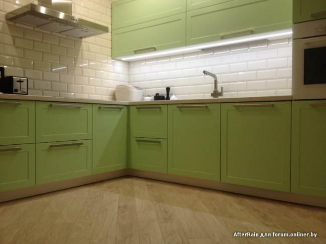 Плитка кабанчик на кухне с подсветкой