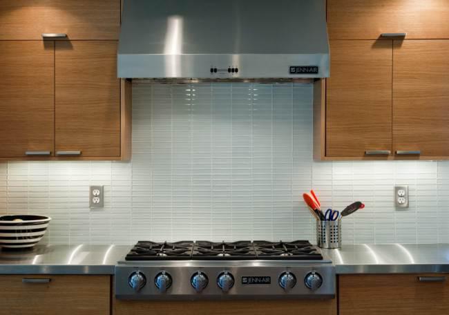 Как правильно расположить розетки на кухне? Виды и схемы размещения