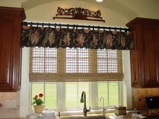 Короткие шторы и рулонки из бамбука