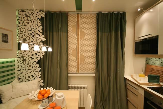 Комбинированный вариант современных штор на кухне