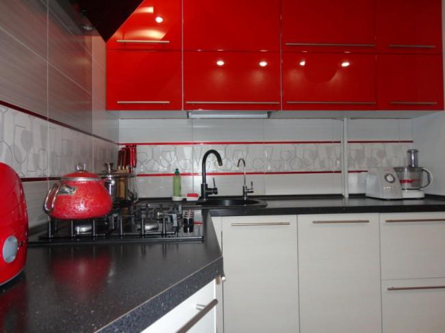 40 интерьеров кухни с угловой мойкой