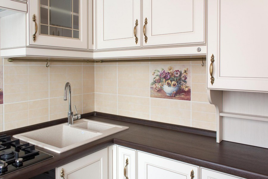 Кухня классика темная дизайн интерьер