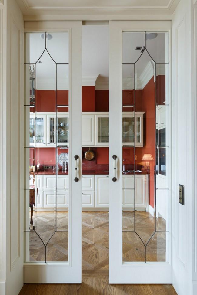 Белые раздвижные двери на кухню