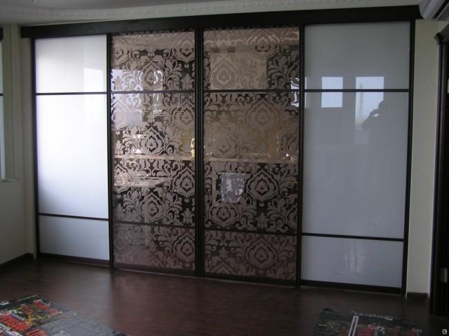Раздвижные полотна с декоративным узором