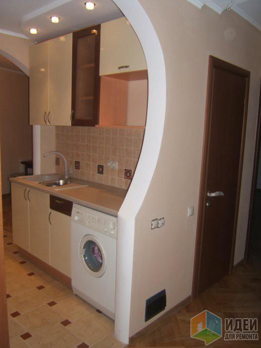 Дверь ванную из кухни-гостиной в хрущевке