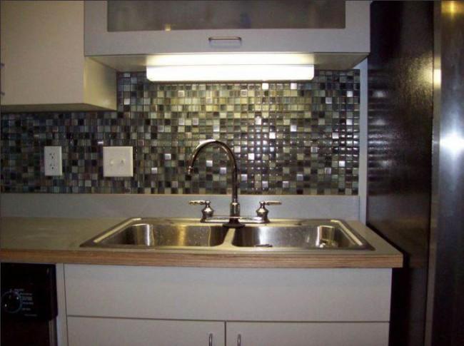 25 интерьеров кухни с фартуком из плитки мозаики