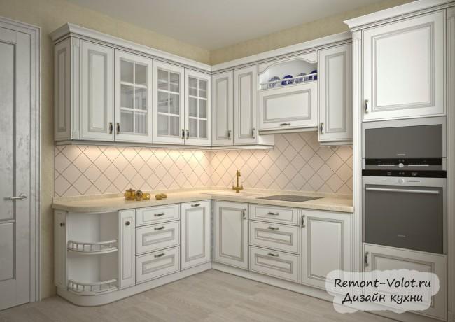 Классическая бежевая кухня 12 кв. м с пеналом для техники (8 фото)