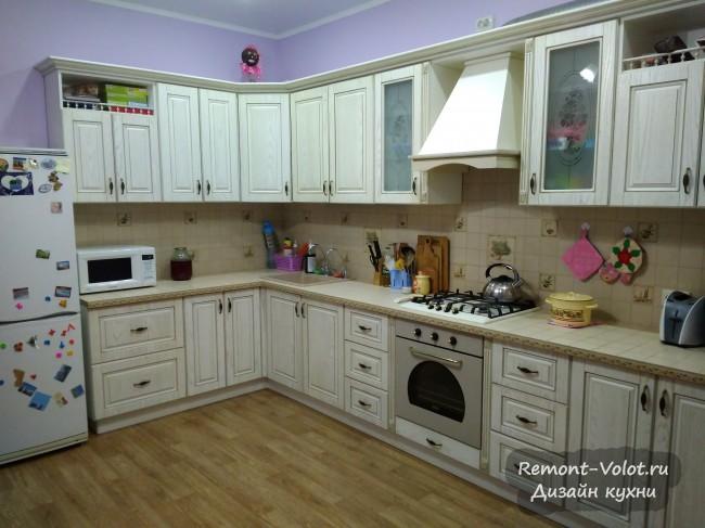 Угловая молочная кухня 18 кв. м с встроенным котлом и фильтром для воды в Белгороде