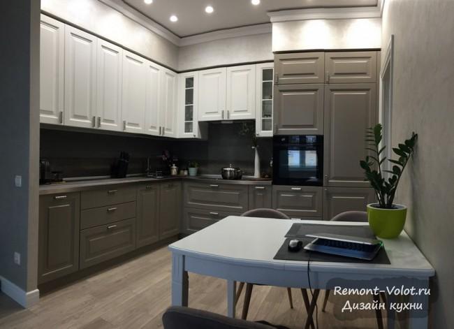 Кухня-гостиная 17 кв м в сером цвете в стиле неоклассика. Архангельск